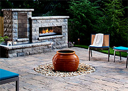 Outdoor Fireplace / Fire Pits